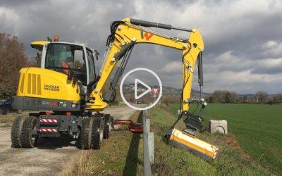 Applicazioni speciali: escavatore gommato Wacker Neuson EW65 per manutenzione stradale